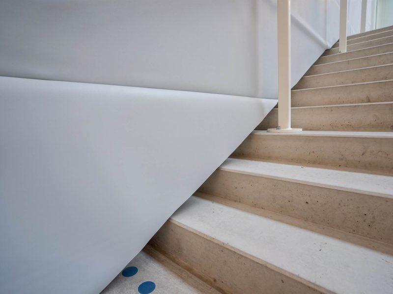 tussenwand met trap